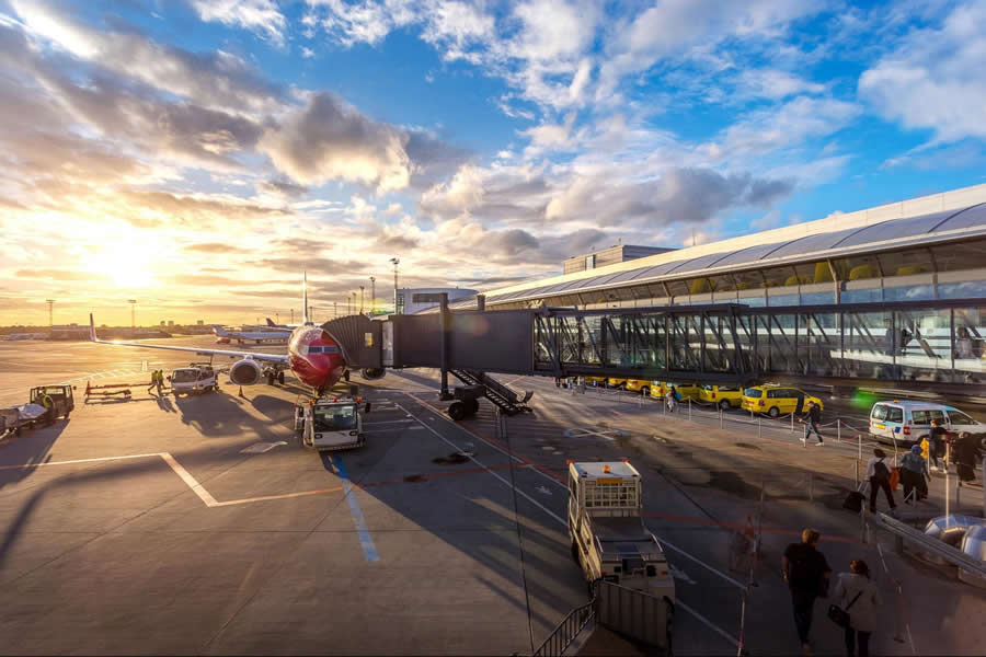 Airport Travel - Domestic and International Flights